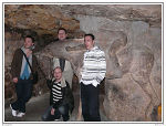 Dans les grottes